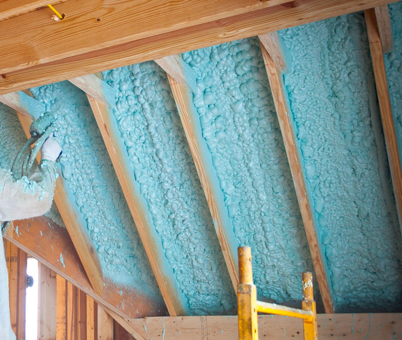 how to keep spray foam insulation in place